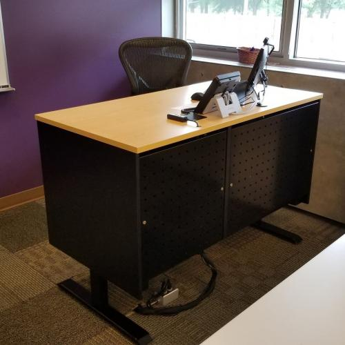 University of Northern Iowa Computer Desks