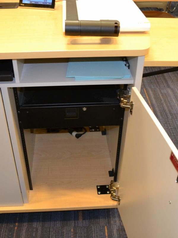 Computer lectern with shelf